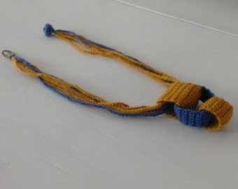 Crochet link necklace in blue and yellow