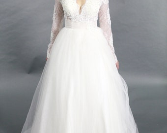 Long Sleeves Lace Applique Ballgown V neck wedding dress