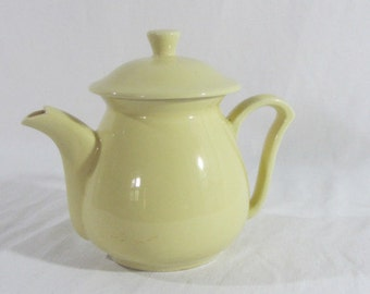 French vintage teapot, lovely primrose yellow teapot, pale yellow teapot 1950's, yellow kitchenware,