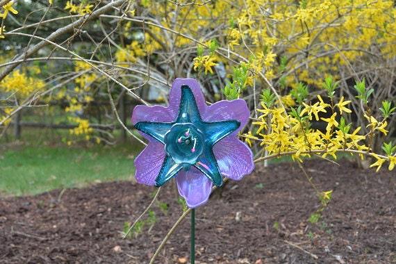 Garden Art Flower, Purple Hibiscus Glass Plate Flower, Outdoor Art Sun