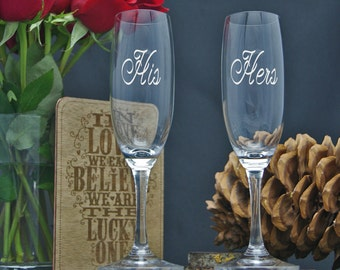 Personalized Champagne Glasses / Engraved Glass / Etched Flute / His Hers Engraved Champagne Flutes / Wedding Glasses / Set of 2 - 48 Fonts