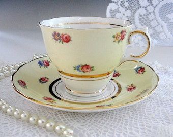 Colclough Tea Cup and Saucer Set, Vintage English Bone China, Yellow with Cottage Roses, Gold Gilt Trim, Tea Party, Shabby Chic, 1940s