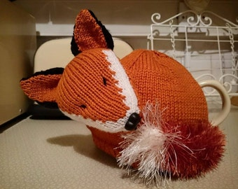 Sleeping Fox tea cosy