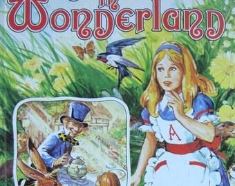 Alice in Wonderland - Children's Picture Storybook - a Golden Book (Large)