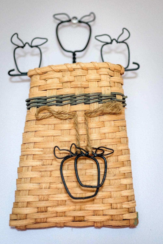 Weaved Basket Wall Pocket Vintage Wicker Wall Basket