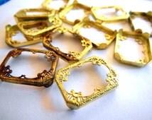 VIntage filigree settings (4) brass frames metal lace pendant for cabochon cab rhinestone stone 18 x 13 rectangle (4)