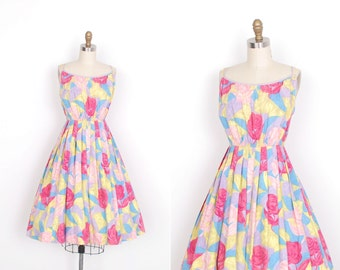 Vintage 1950s Dress / 50s Floral Cotton Sundress / Purple and Pink (S M)