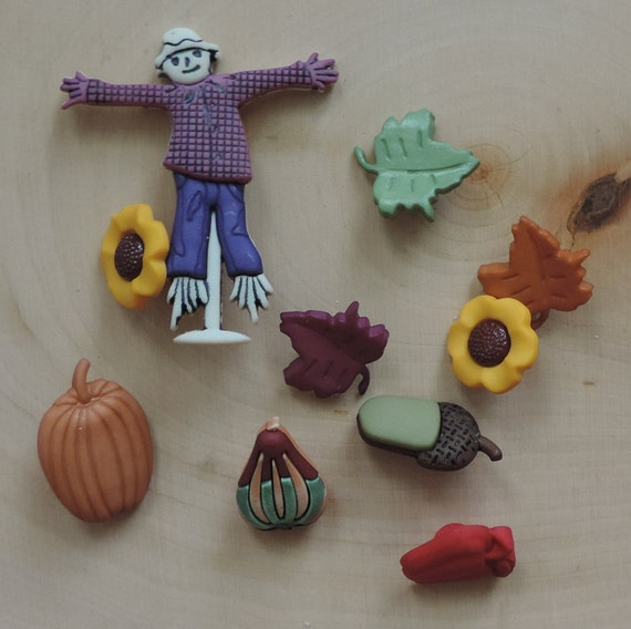 """Fall Buttons, """"Signs of Autumn"""" Packaged Novelty Buttons by Buttons Galore, Style 4626, Scarecrow, Sunflowers, Pumpkin and Leaves"""