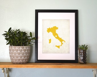 Italy Rustic Country Map. Personalized Italy Art. Country Wedding Map. Wedding Gift. Honeymoon Gift. 8x10 Art Print.
