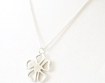 """Sterling Silver Clover Pendant Necklace 18"""""""