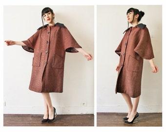 1950s pink houndstooth cape coat, 50s French vintage bell sleeves swing coat, grey coral orange black pin up coat, short sleeves, mid season