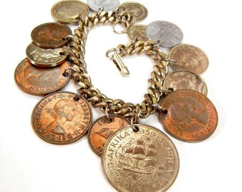 Vintage coin charm bracelet with international coins on gold chain from 1950s // foreign coins // coins from around the world