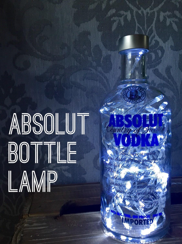 absolut vodka 700ml lampe licht upcycled flasche einzigartiges. Black Bedroom Furniture Sets. Home Design Ideas