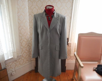 Classic Tailored Grey Vintage Coat from the 1980's