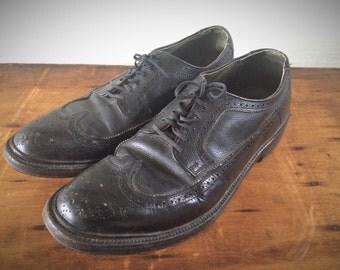 Vintage 1960's Wingtip V-cleat Shoes Florsheim Style Size 10 1/2