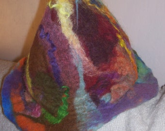 Multicolor felted wool hat