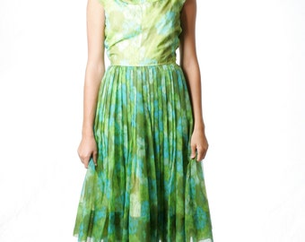FREE US SHIPPING Vintage Garden Day Pleated Dress Floral Green