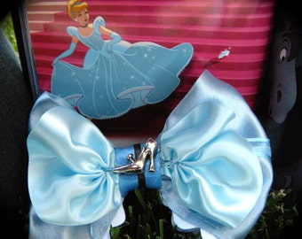 Cinderella Hair Bow w/ slipper in the Middle