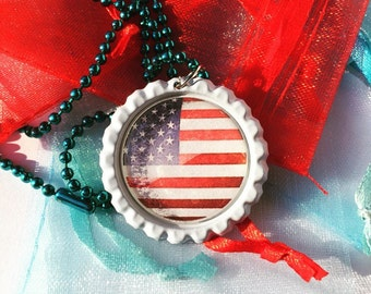 American flag and necklace/American flag bottlecap necklace/handmade jewelry/American flag jewelry