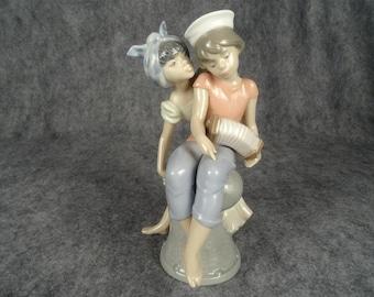 Lladro Figurine Caribbean Kiss, #6144