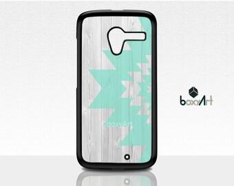 Motorola Moto X Case -  Tribal Ornament on Wood texture