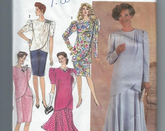 Simplicity 7060  Two piece Dress  has Tunic or Top and Flared or Straight Skirt