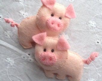 Cute pig hair clips ( custom made)