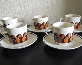 Vintage 70's Arklow pottery Set of 5 Coffee Cups & Saucers with Lovely Coffee Beans Design