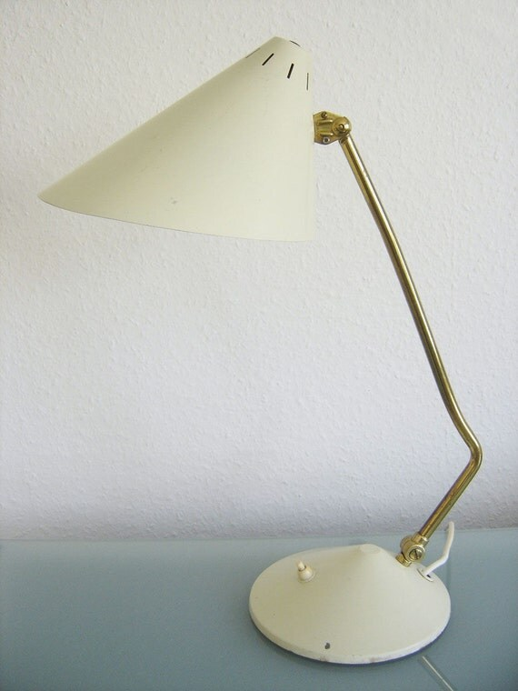 mid century modern desk light table lamp kaiser stillovo arteluce. Black Bedroom Furniture Sets. Home Design Ideas