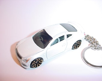 3D Infiniti G37 custom keychain by Brian Thornton keyring key chain finished in white color trim gold wheels
