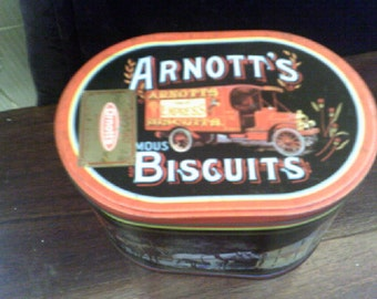 Arnotts Delivery 900gm Biscuit Tin