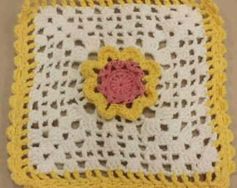 Crochet flower dishcloth