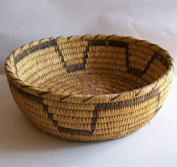 Handmade American Baskets : Vintage native american papago basket hand made woven round