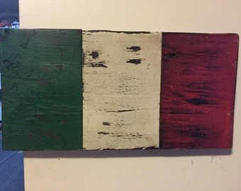 Distressed Italian Flag wall art