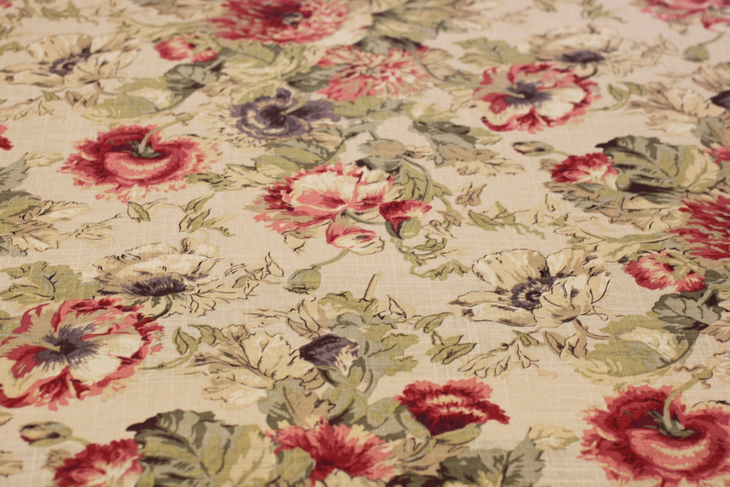 Drapery upholstery fabric poppies 137 antique red by - Telas shabby chic ...