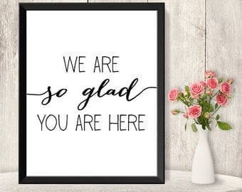 Glad You Are Here Sign / Wedding Guest Thank You Sign DIY / Trendy Calligraphy Sign / Printable PDF Poster ▷ Instant Download