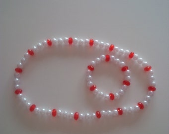 Red and White Beaded Necklace & Bracelet Set   (#155)
