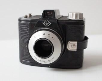 camera obscura // Pinhole camera // 6x9 // Agfa Clack