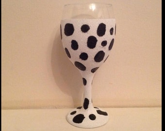 Dalmatian glitter wine glass