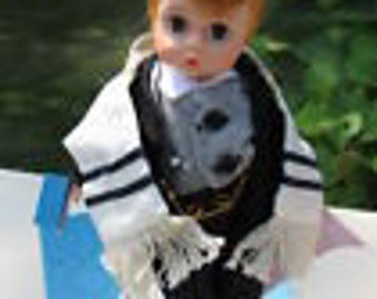 Madame Alexander Judaica Doll, 1981 Little Rabbi, 35 YEARS OLD!, Judaica Jewish David Doll, Little Rabbi doll, Jewish doll, Never opened.