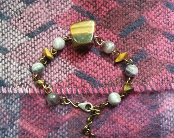 Tigers eye and Amethyst Bronze non tarnish wire wrapped braclet
