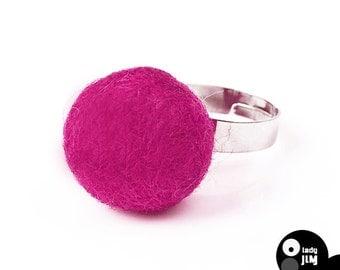 felt ring- fuchsia - original felt jewellery