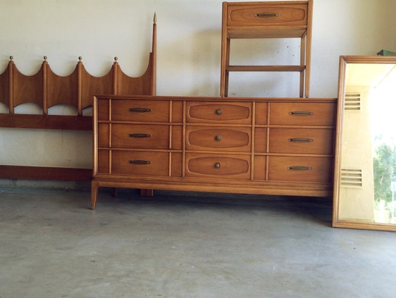 mid century modern sculptural bedroom set by seasonofchange