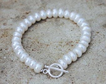 """White Pearl bracelet with sterling silver clasp - """"Olivia"""""""