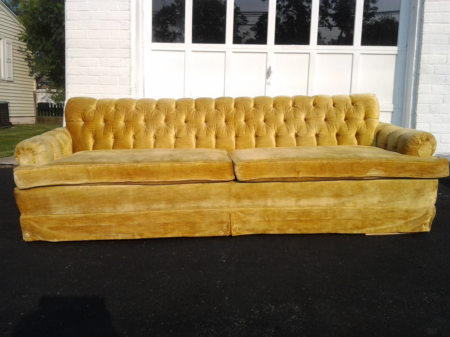 Vtg Mid Century Modern Gold Velvet Sofa Hollywood Regency