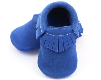 Royal blue baby shoes, baby moccasins, fringed booties, baby mocs, first walker, crib shoes, leather shoes for girl or boy, baby shower gift