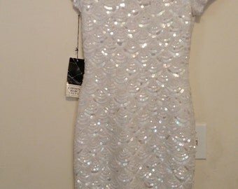 Carmen Marc Valvo Vintage Size s, Short Sleeve White Beaded Dress