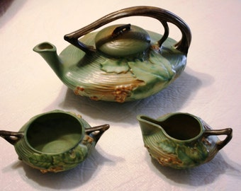 Roseville Bushberry Green Tea Set - Teapot, Creamer and Sugar Bowl