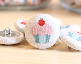 Fabric Covered Buttons - Muffin on White - 6 Medium Fabric Buttons