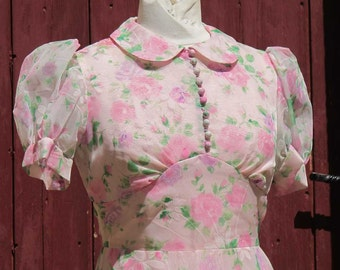 SALE Pretty in Pink 1970s Bridesmaids Roses dress